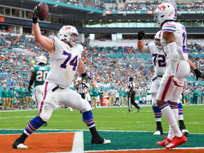 Orchard Park, N.Y. -- Buffalo Bills offensive lineman Jeremiah Sirles arrived in Buffalo before Week 4 of the 2018 season.  He liked it so much he decided to re-up with the Bills for another season in 2019. Sirles' versatility and ability to play anywhere on the offensive line made him a slam dunk re-signing for Bills general manager Brandon Beane as he starts to construct next season's roster. In this one-on-one interview with NYUP.com, Sirles discusses how the Bills can remedy their offensive line issues in 2019. Plus, he talks about Josh Allen's development, Dion Dawkins being a breakout candidate in 2019 and more.