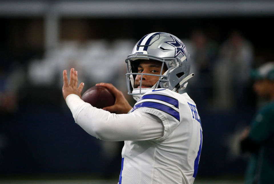 NFL Week 15 picks: Predictions, point spreads, betting lines for every game | Cowboys, Patriots, Steelers, Saints, Panthers, Packers