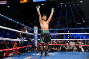 Yuandale Evans fights Alberto Machado for the super featherweight title: Boxing Report 2018 (photos)
