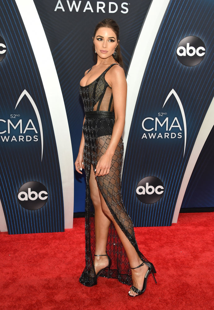 CMA Awards 2018: They wore what? Fashions, red carpet photos from country's biggest stars