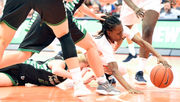 Syracuse women's basketball opens with rout of North Dakota