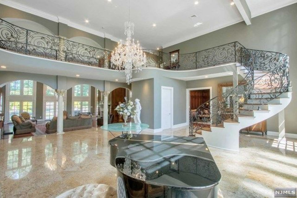 Former N J Mansion Of Sean Diddy Combs On Market For 4 2m