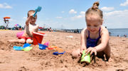Headed for a heatwave: Temps in 90s attract Staten Islanders to beaches