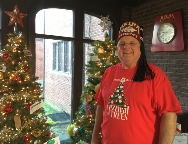 Springfield Feztival of Trees features Christmas trees for sports fans, handymen, artists