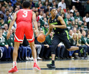 Defense, strong bench helps Michigan State pull away in win over Ohio State