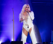Kesha, Macklemore perform at rainy Hershey show
