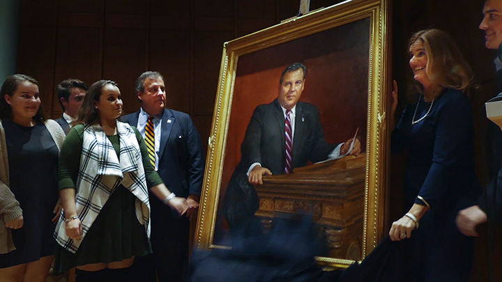 Chris Christie's official portrait revealed. Here's what ...