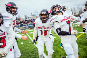 Montrose handles Flint Hamady 37-6 to clinch Division 6 regional title