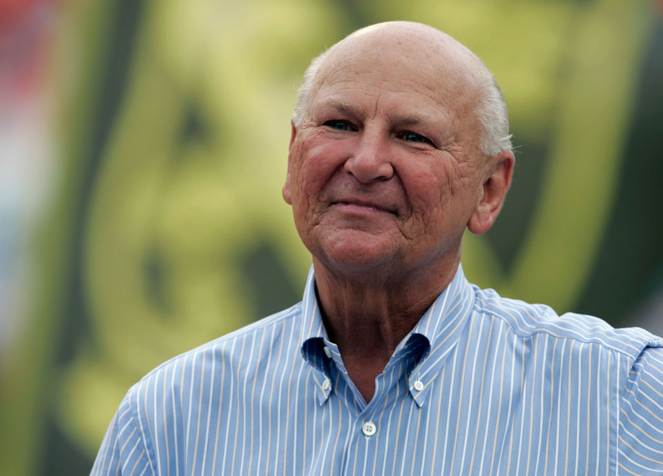 Wayne Huizenga, former owner of Blockbuster as well as Panthers, Marlins, Dolphins sports teams, dead at 80