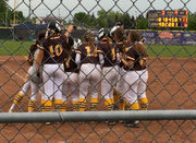 Bay City Western wins two thrillers from Central to stand at pinnacle of SVL softball