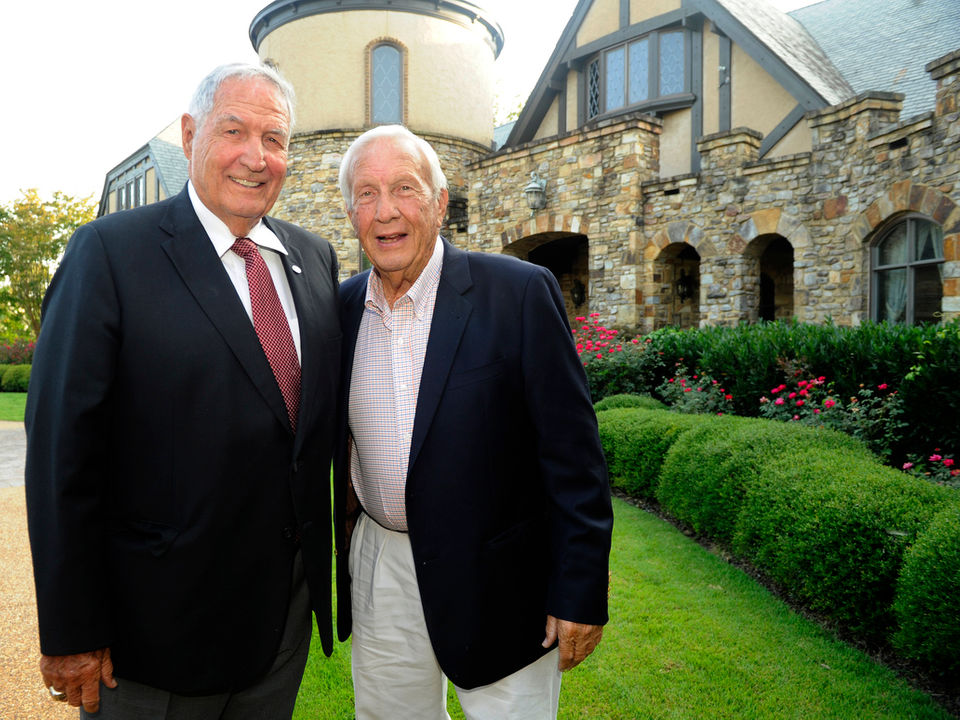 Gene Stallings, Pat Dye talk Alabama QB battle, Nick Saban during Huntsville visit