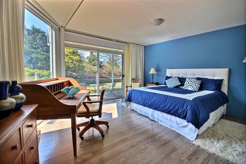 Good Glass House On Lake Erie Asks $1,725,000: House .
