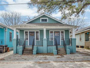 An Old Metairie cottage for $249k: real estate roundup for Holy Cross, Metairie, Warehouse District