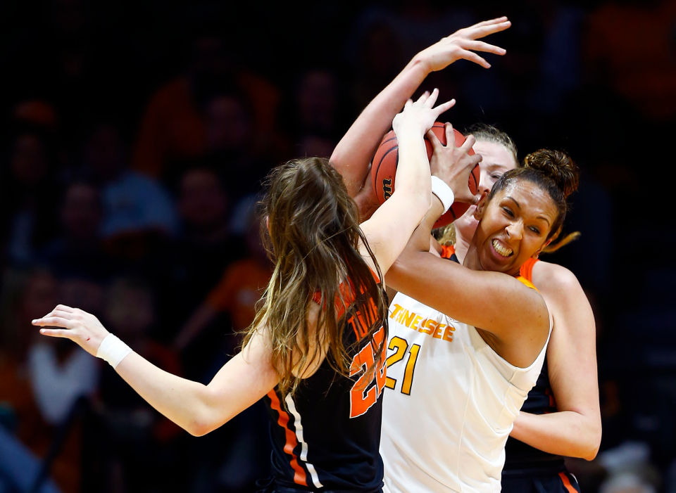 Oregon State women knock off Tennessee in NCAA Tournament