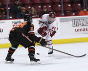 Oliver Chau's game-winner sends No. 4 UMass hockey to 3-2 win over Princeton (photos)