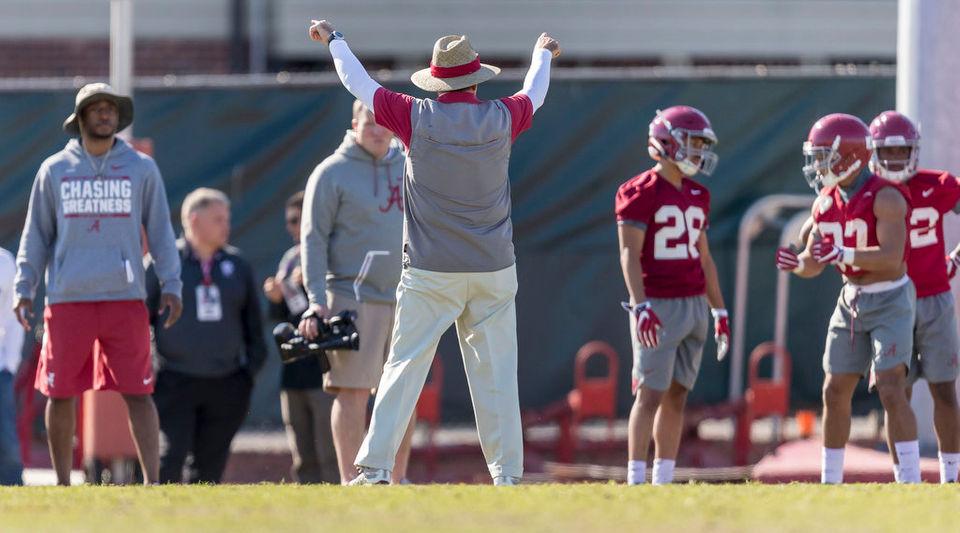 Has Tua Tagovailoa's injury stunted the growth of Alabama's offense?