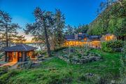 Oprah buys 43-acre island estate