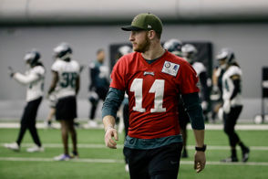 It was clear to see that the Eagles offense was flowing better with Nick Foles at quarterback than Carson Wentz. It seems there might be something to that. PhillyVoice dropped a bombshell report on Monday painting a picture of a locker room that might not be as fond of Wentz as they were a year ago. Here are some takeaways and reactions from the report. UPDATE: Four teammates (so far) responded to the report. Their tweets are below.