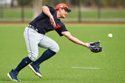 Fly balls, pick-offs and base running drills highlight Tigers spring training practice Wednesday
