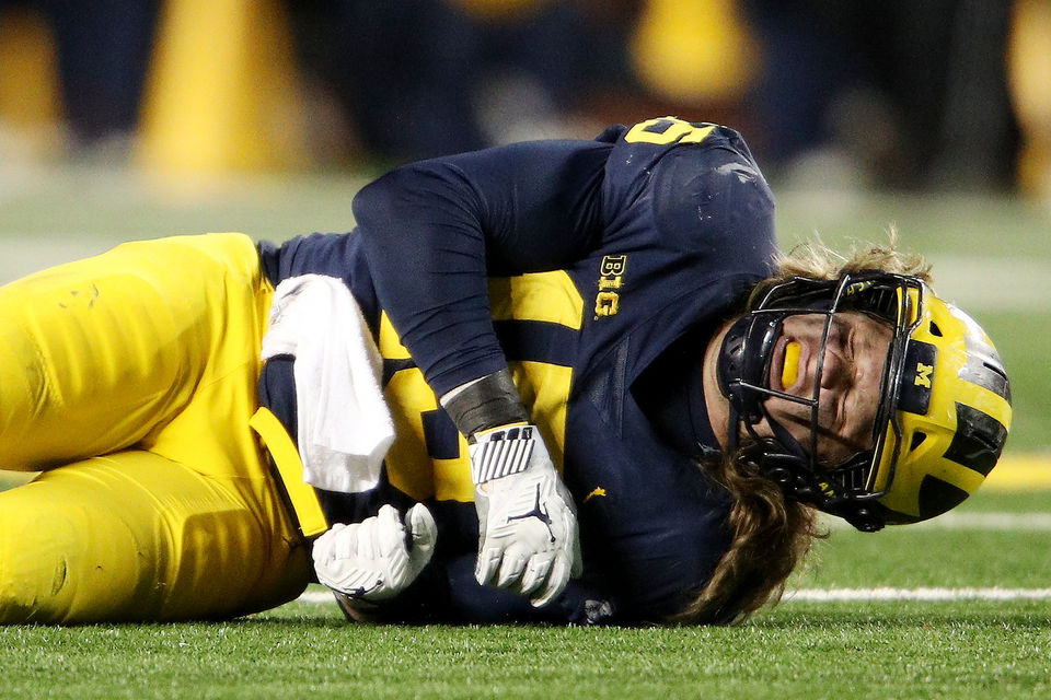 Early signs good for Michigan's Berkley Edwards, Chase Winovich