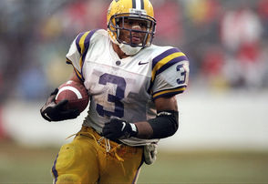 A model of consistency, Faulk led the Tigers in rushing four consecutive seasons from 1995-98 and was a three-time All-SEC pick. His rushing yardage total ranks fourth in SEC history, while his touchdowns total (53) is second and his all-purpose yards total (6,833) is first. Faulk played 13 years with the NFL's New England Patriots, winning three Super Bowls.