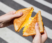 Staten Island Mall Food District opens with Melt Shop