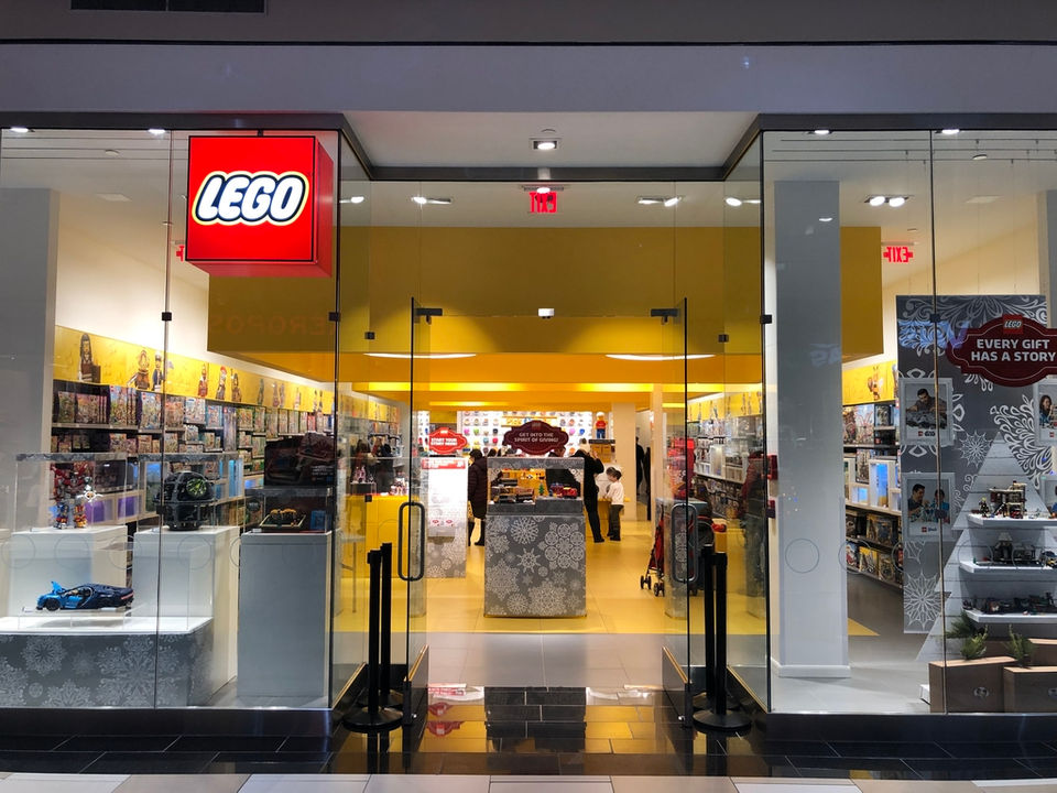 19 things you'll see at new LEGO store at Crossgates Mall in