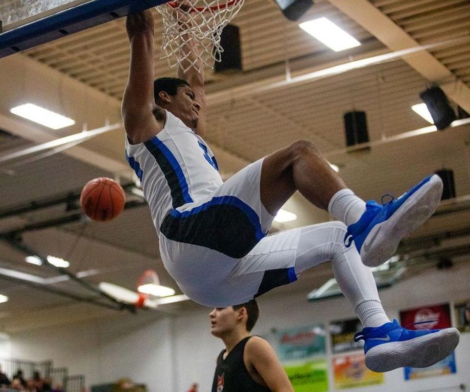 Flint boys basketball roundup: Carman-Ainsworth wins 10th straight; Byron's Kyle Hulett scores 34