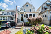 Staten Island Home of the Week: Dutch Colonial, West Brighton, $659K