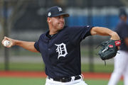 2 ex-Tigers sign deals to play in Korea in 2019