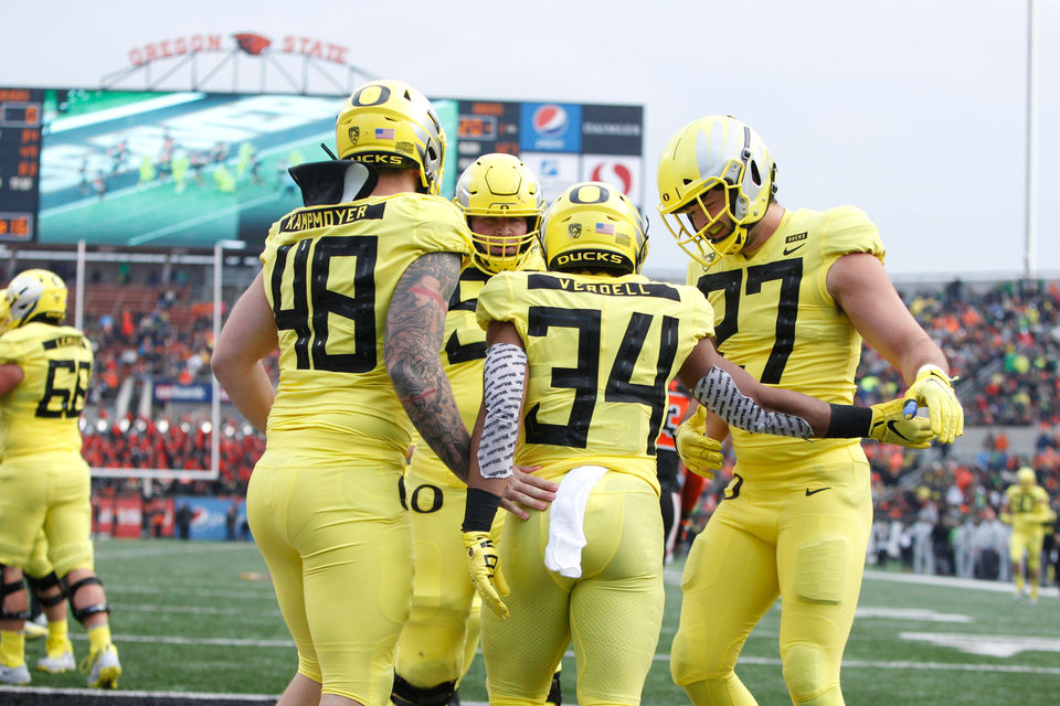 Oregon Ducks vs Oregon State Beavers in 122nd Civil War