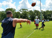 Daphne pros return home for free football camp