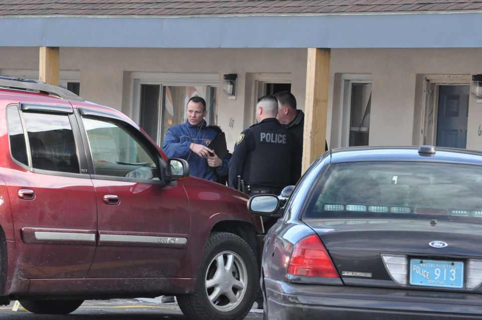 West Springfield police investigate shooting at Route 5 motel