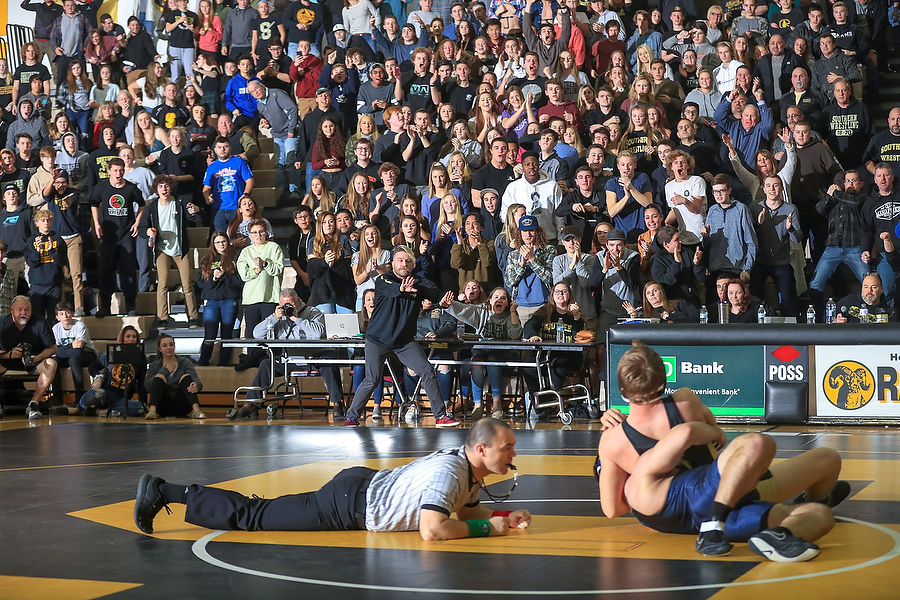 Group wrestling semifinals/finals preview: schedule, lineups