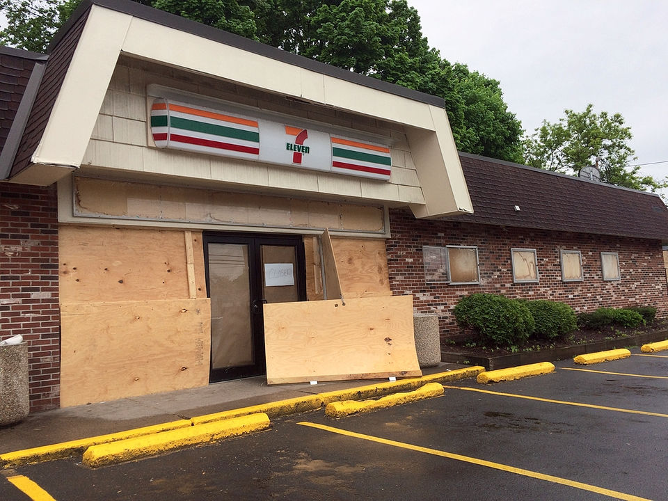 7-Eleven closes Syracuse stores as it expands in suburbs