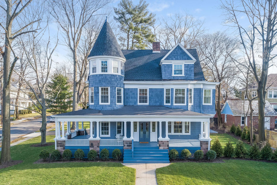 Look Inside the 120-year-old Maplewood Mansion Built by Hand That's Being Sold For $1.3 Million