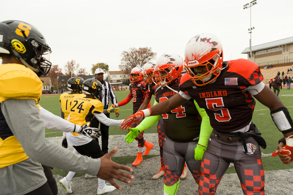 Football This Year S 10 Biggest Thanksgiving Games The Players To