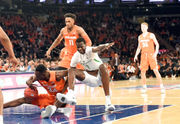 Syracuse basketball gets crushed by No. 13 Oregon in second-straight loss