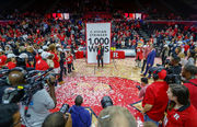 Rutgers' C. Vivian Stringer wins 1,000th game: Hillary Clinton, others congratulate her on milestone