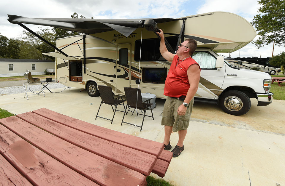 Floridians flee Hurricane Michael, arrive in Dothan