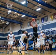Flint boys basketball roundup: Kearsley puts dent in Flushing's hopes for another Metro League title