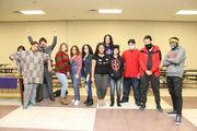 Jóvenes de la escuela Holyoke High participan de un taller estilo 'town hall'