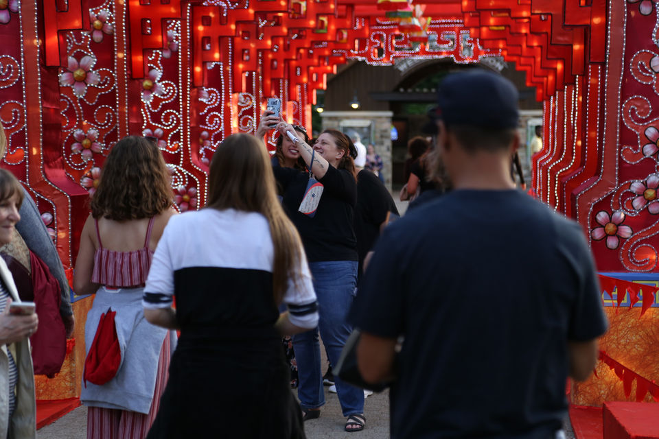Asian Lantern Festival draws huge crowd to Cleveland Zoo on first day of summer