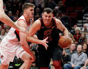 PORTLAND, Ore. -- The Cleveland Cavaliers were unable to build on their performance against the Los Angeles Lakers from Sunday, losing to the Portland Trail Blazers 129-112.  Here are five observations:
