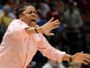 Alabama HS makes gender-bending decision, hires woman to coach boys basketball