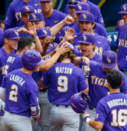 LSU advances to SEC championship game after beating Arkansas in pitchers' duel