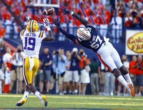 What went wrong with Auburn's defense in the fourth quarter against LSU? Well, it wasn't the whole quarter, but two plays in particular -- one for a touchdown and one for a first down. But ...